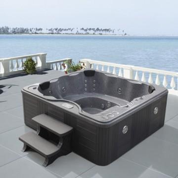 modern-hot-tubs